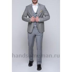 Серый мужской костюм тройка