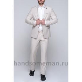 Белый мужской костюм