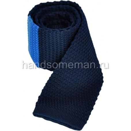 Вязанный галстук синего цвета с полосой. 869
